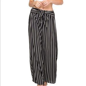 She + Sky wide leg, elastic waist striped pant.SzS